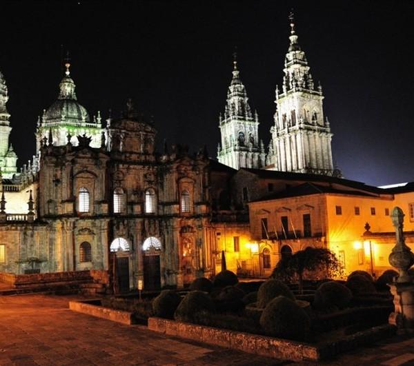 l-santiago_de_compostela-la_catedral_de_santiago_de_noche-nacho_y_adriana_177-03_11_09-X158011