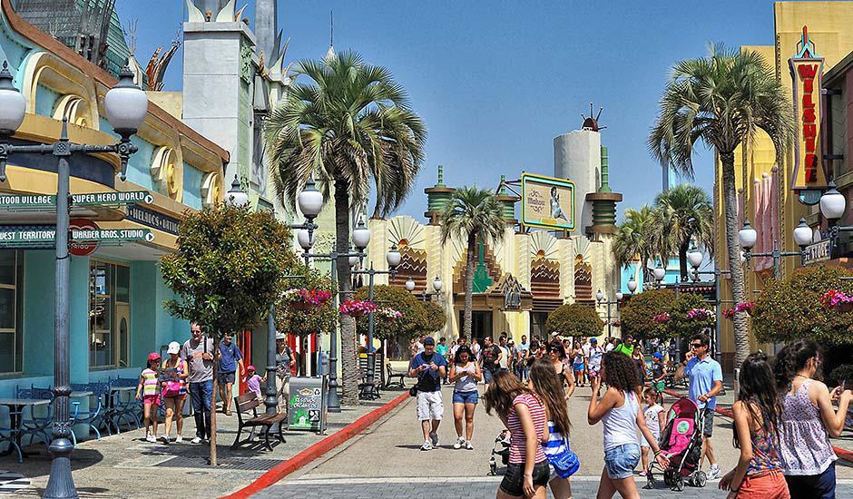 parque atracciones warner salida 19 y 26 de agosto