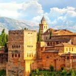 Alhambra-met-de-Sierra-Nevada-bergen