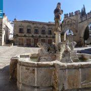 baeza plaza populo fuente
