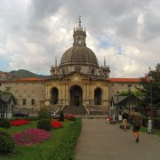 Basilica_of_St._Ignatius_in_Loyola_(contrasted)