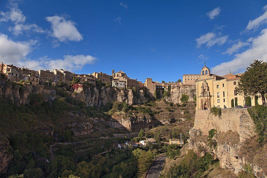 1024px-Cuenca._Castilla_-_La_Mancha._Spain_(4172789174)