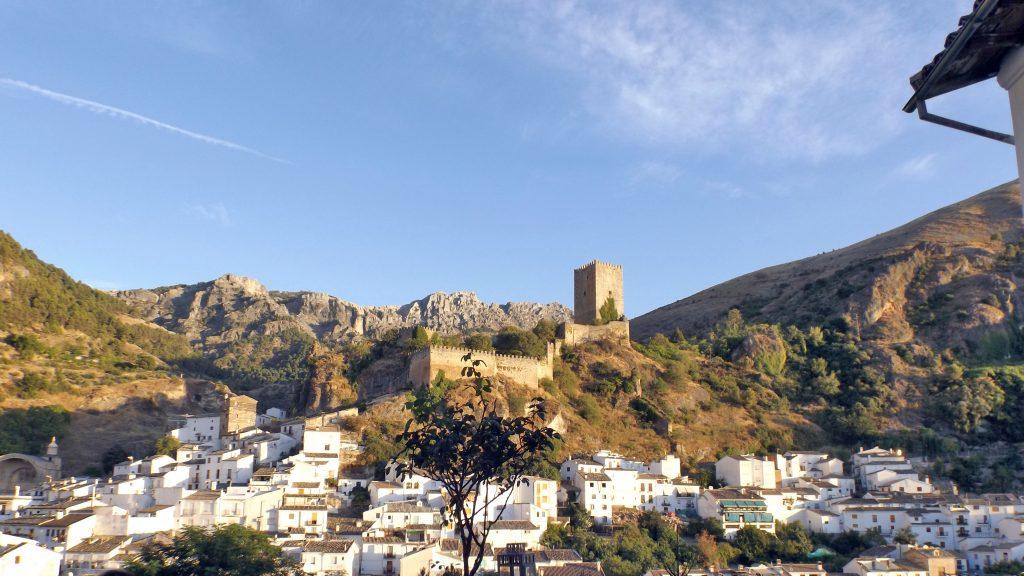 Cazorla_y_el_castillo_de_la_Yedra