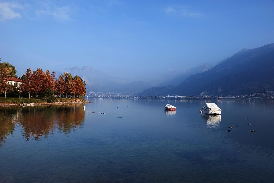 lake-3637095_960_720
