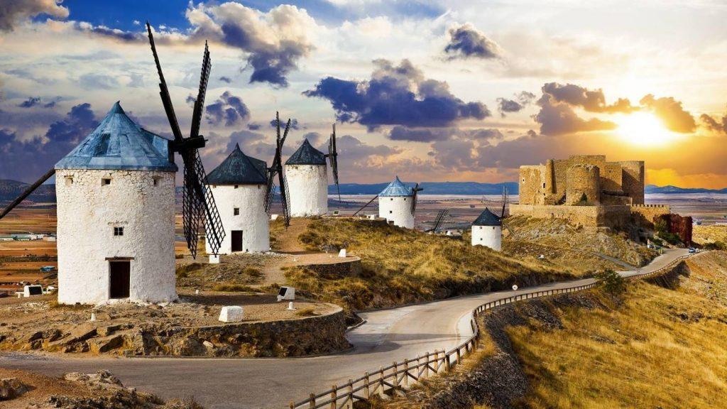 visita-a-madridejos-y-consuegra-azafran-queso-molinos-y-castillo-en-el-mismo-plato
