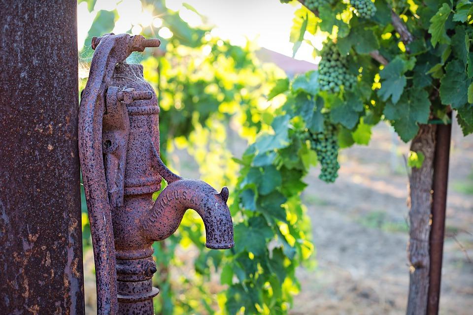 water-pump-4353485_960_720