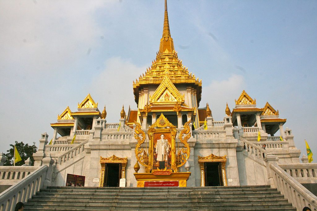 1280px-Wat_Traimit_Temple,_home_of_The_Golden_Buddha_(8282543652)