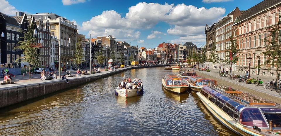 amsterdam-3976426_960_720