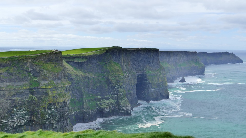 cliffs-of-moher-2641965_960_720