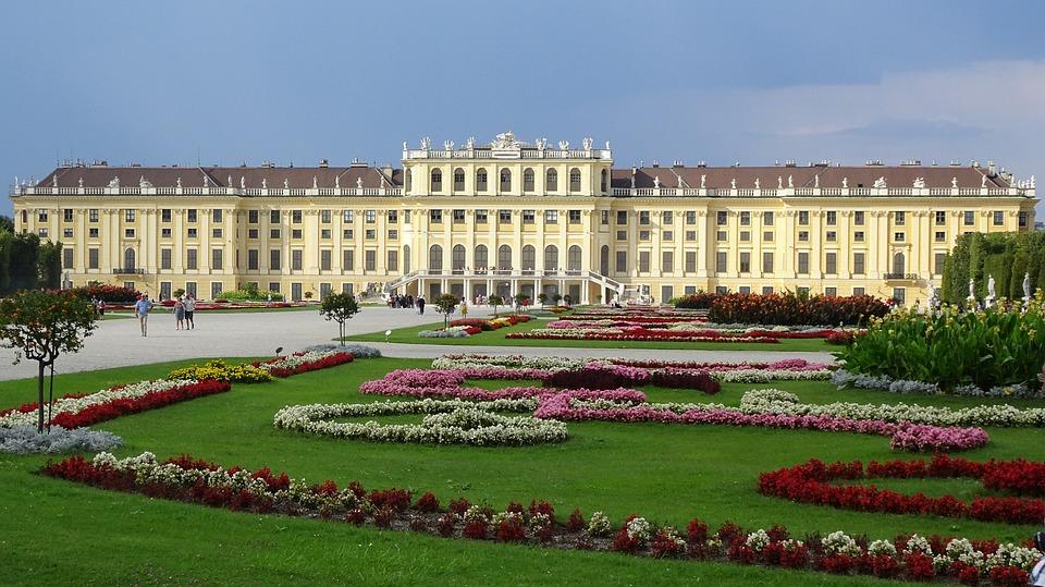 schonbrunn-palace-1735571_960_720
