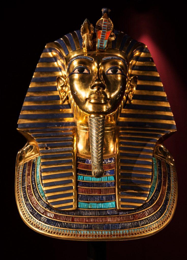 tutankhamun_death_mask_golden_mask_gold_head_valuable_invaluable_treasure