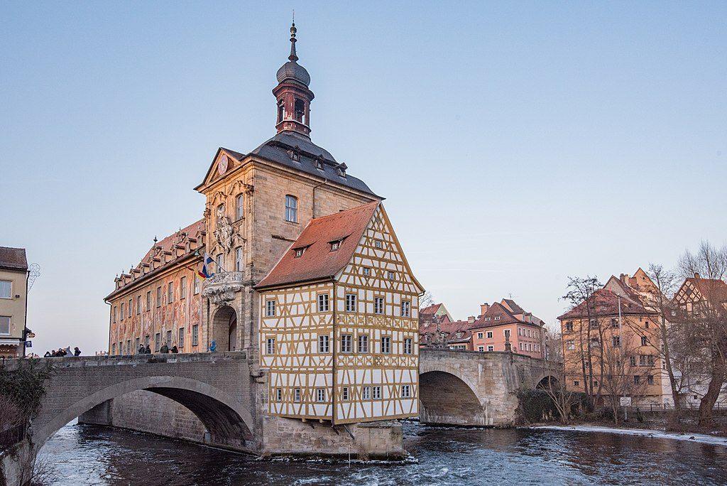 1024px-Bamberg,_Altes_Rathaus_20170128-010