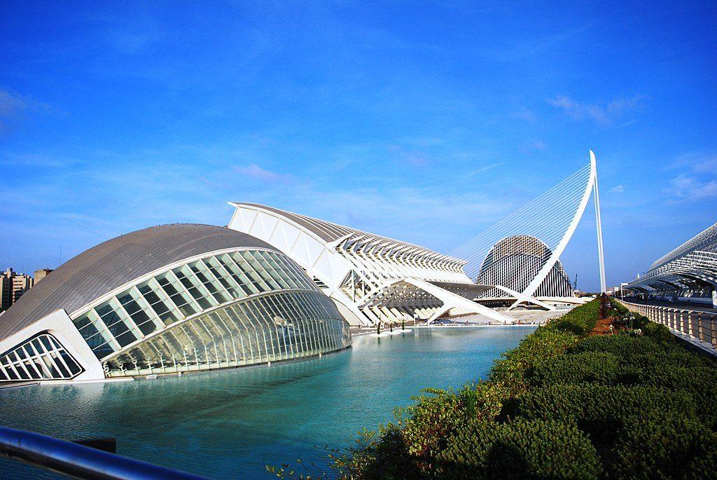 1024px-Ciudad_de_las_Artes_y_las_Ciencias,_Valencia