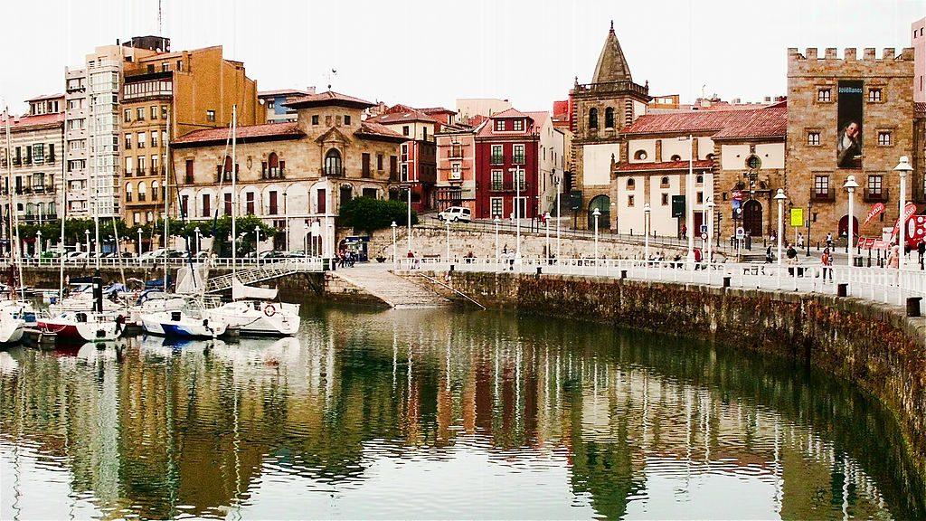 1024px-Gijón,_Asturias_(5981647256)