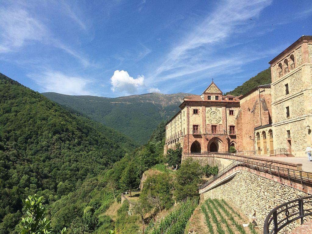 Monasterio_de_Nuestra_Señora_de_Valvanera (1)