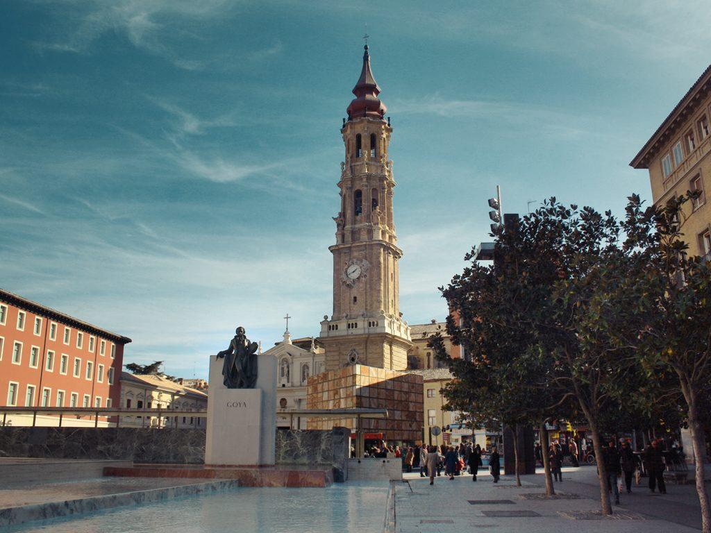 Plaza_del_Pilar,_Zaragoza