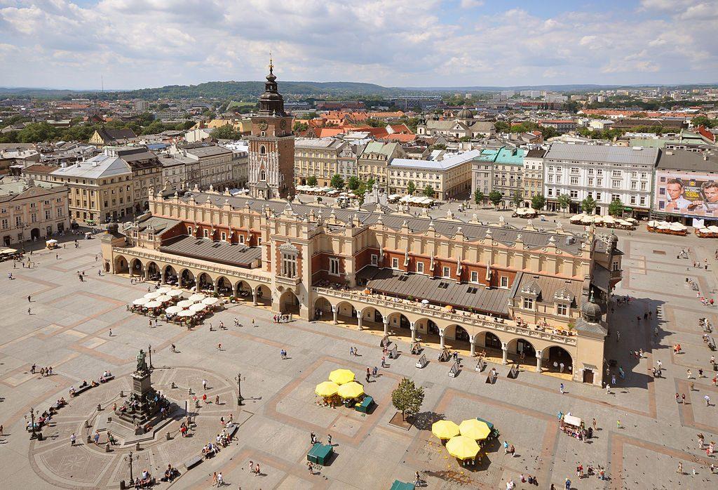 Sukiennice_and_Main_Market_Square_Krakow_Poland
