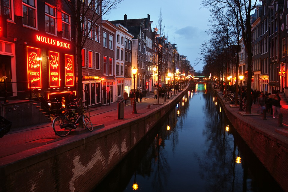 red-light-district-3292225_960_720