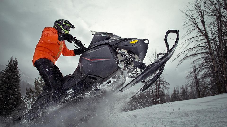 snowmobile-3031275_960_720 (1)