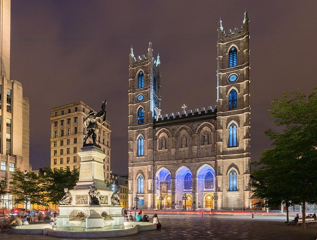 1015px-Basílica_de_Notre-Dame,_Montreal,_Canadá,_2017-08-11,_DD_26-28_HDR