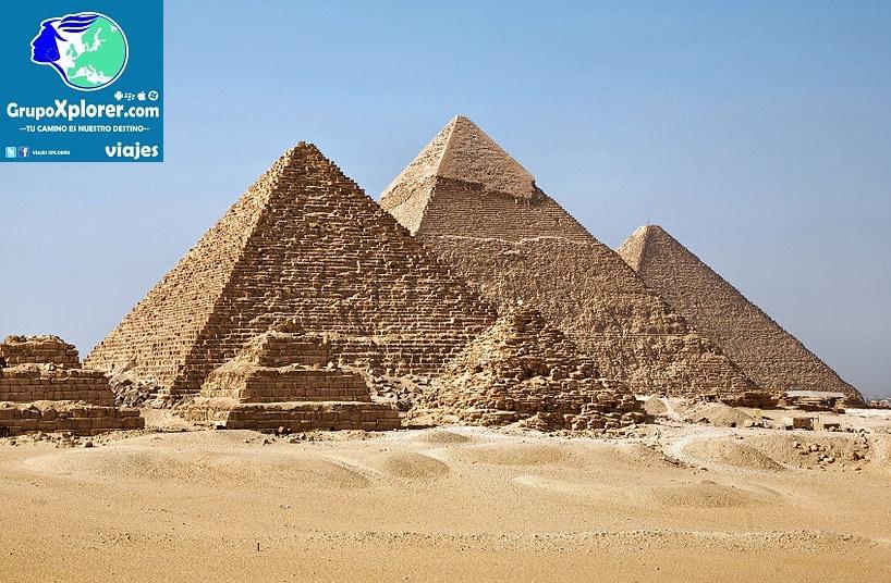 1024px-All_Gizah_Pyramids-2