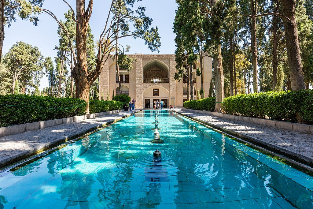 1024px-Jardín_de_Fin,_Kashan,_Irán,_2016-09-19,_DD_22