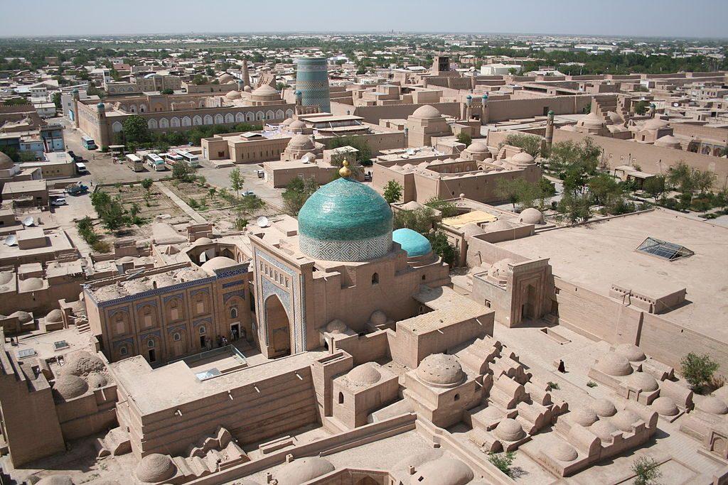 1024px-Khiva_Itchan_Kala_view_from_Islam_Khodja_minaret
