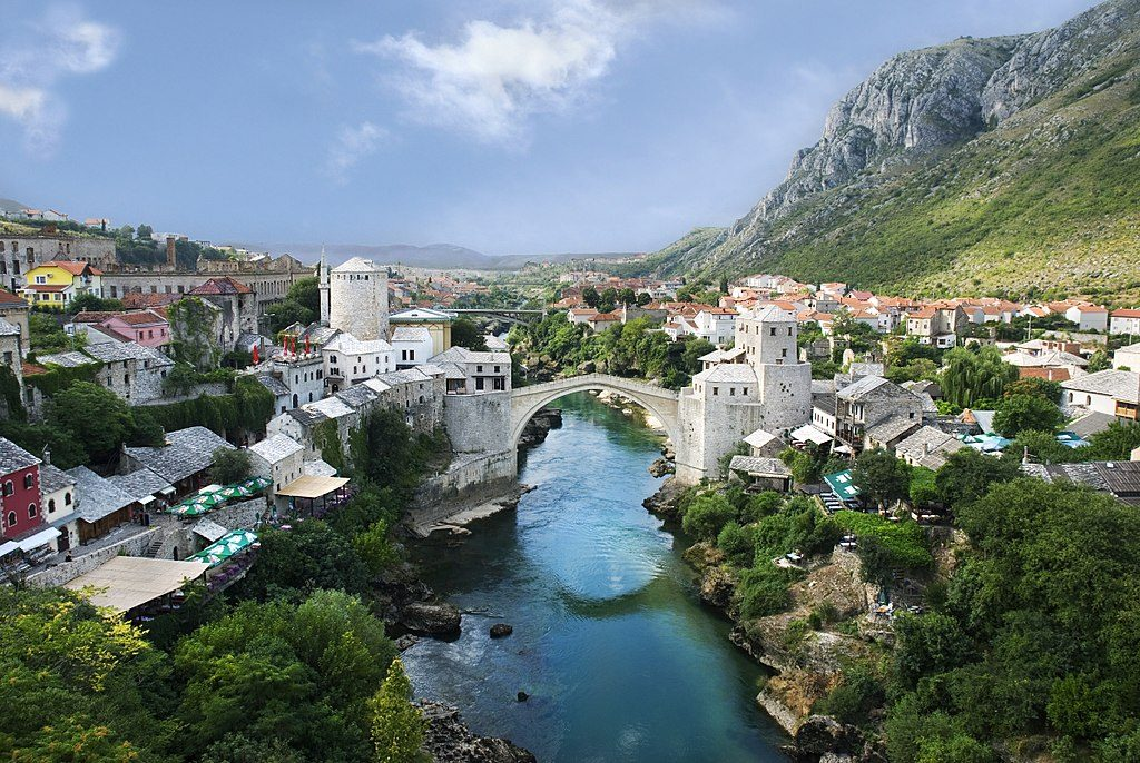 1024px-Mostar_Old_Town_Panorama_2007