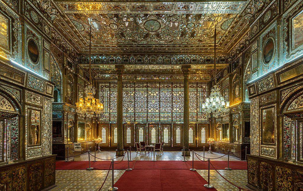 1024px-Palacio_de_Golestán,_Teherán,_Irán,_2016-09-17,_DD_24-26_HDR