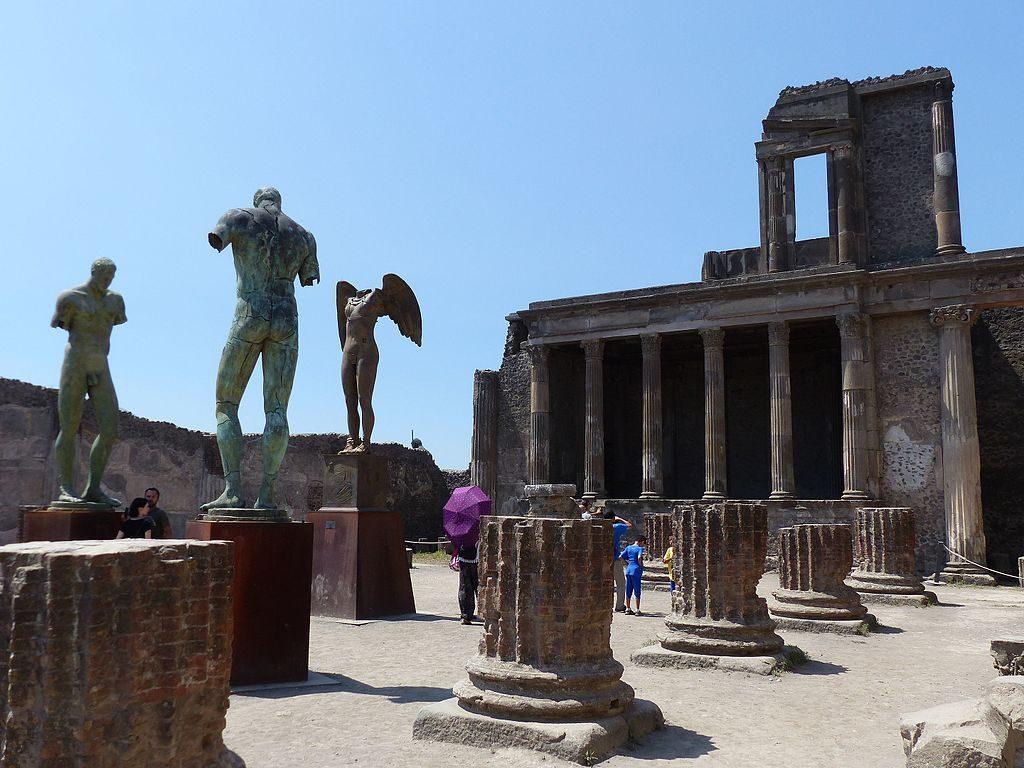 Basilica_de_Pompeya,_Italia,_2016_01