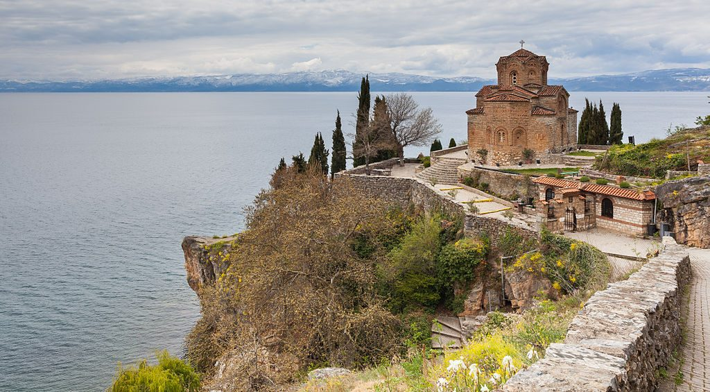 Iglesia_San_Juan_Kaneo,_Ohrid,_Macedonia,_2014-04-17,_DD_22