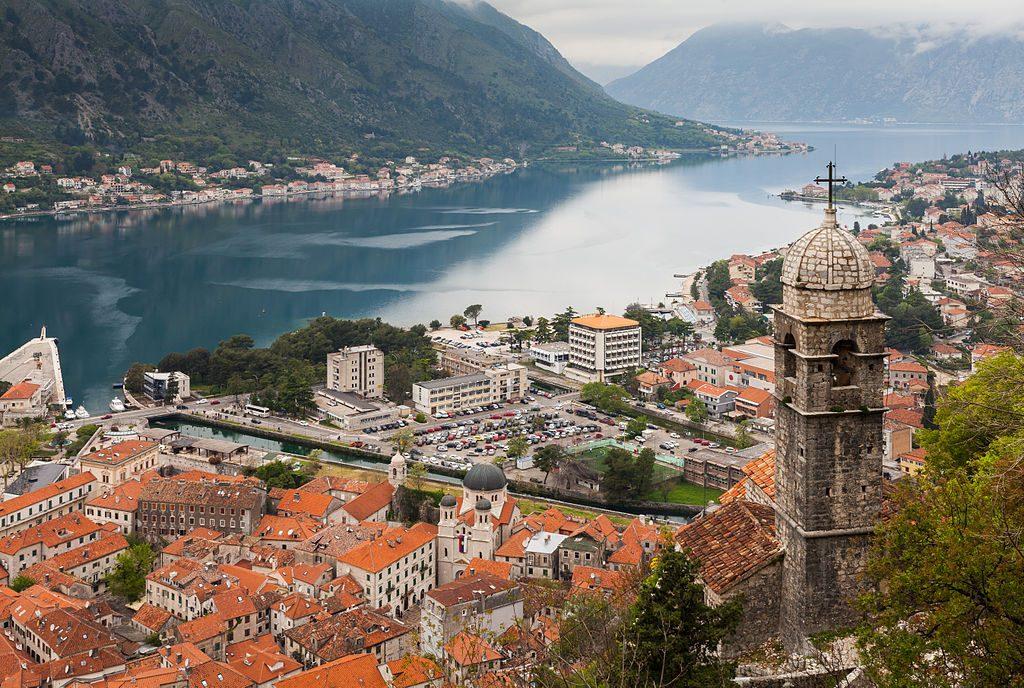 Iglesia_de_Nuestra_Señora_de_los_Remedios,_Kotor,_Bahía_de_Kotor,_Montenegro,_2014-04-19,_DD_29