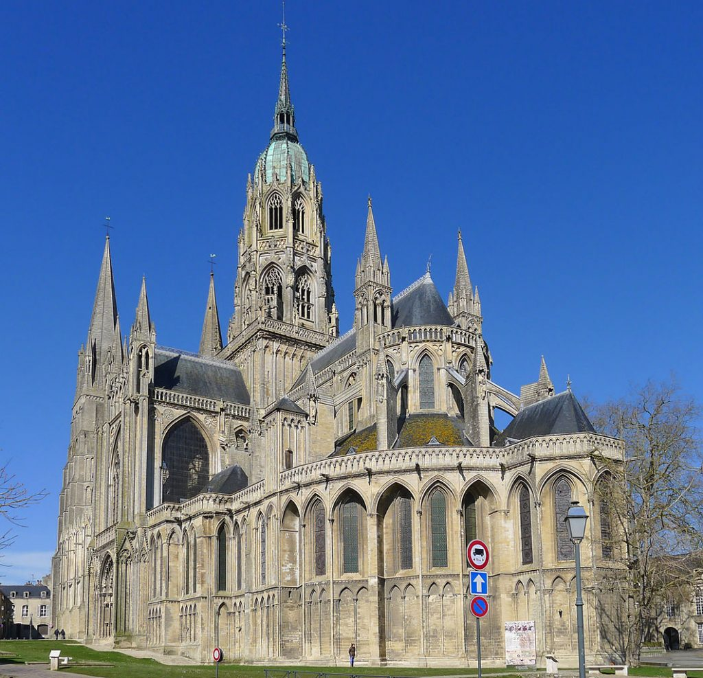 P1240007_Bayeux_cathedrale_ND_rwk (1)