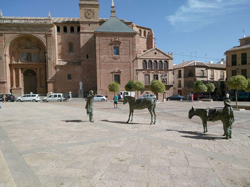 Plaza_Mayor,_Villanueva_de_los_Infantes,_Ciudad_Real
