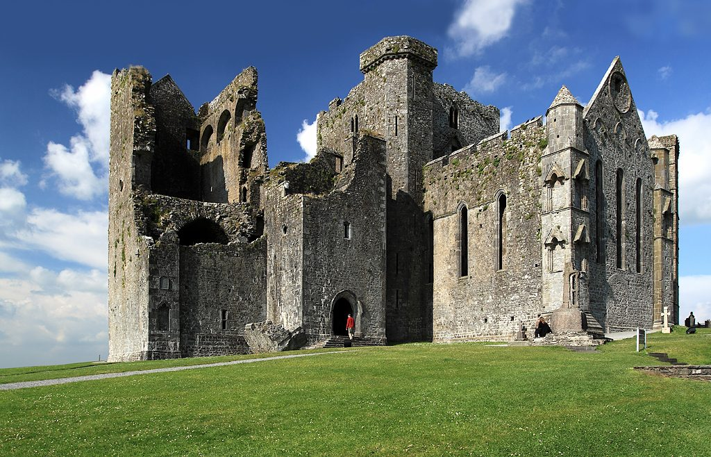 Rock_of_Cashel,_Tipperary