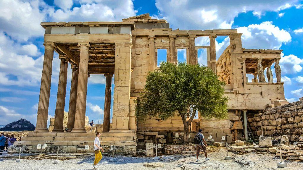 athens-acropolis-1498609743KG4