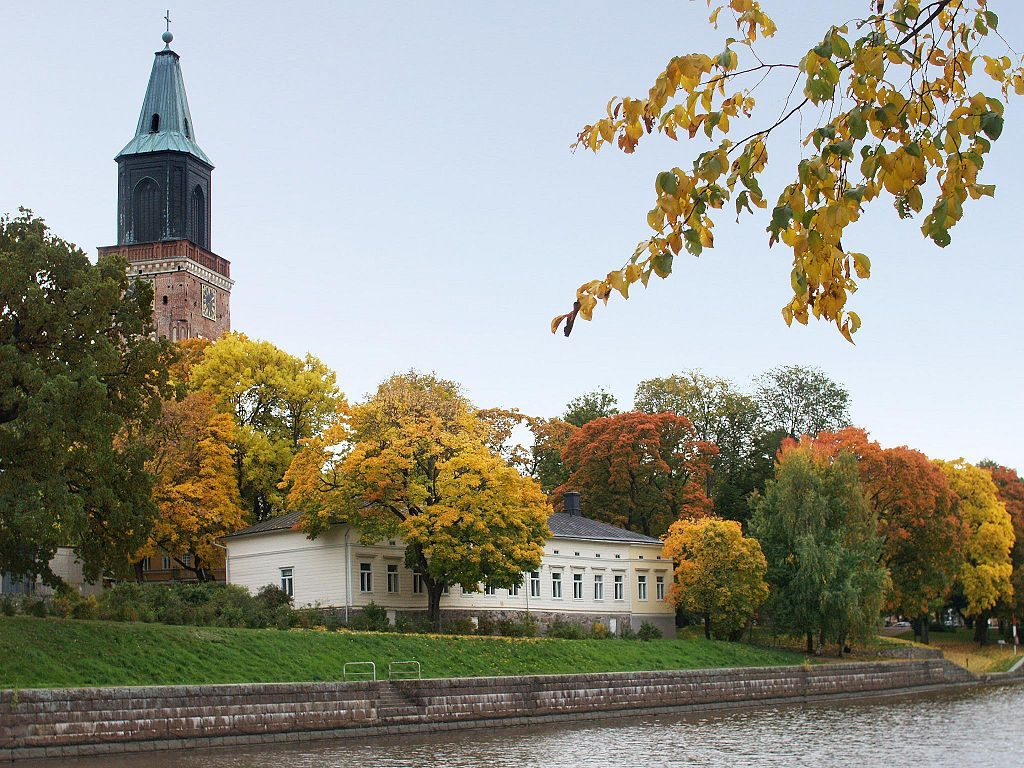1024px-Autumn_in_Turku