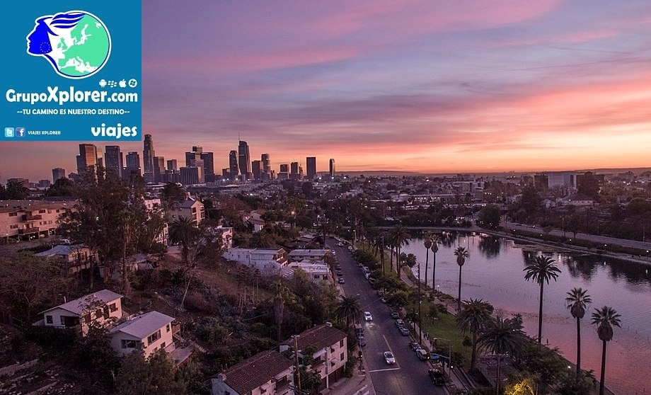 1024px-Echo_Park_Lake_with_Downtown_Los_Angeles_Skyline