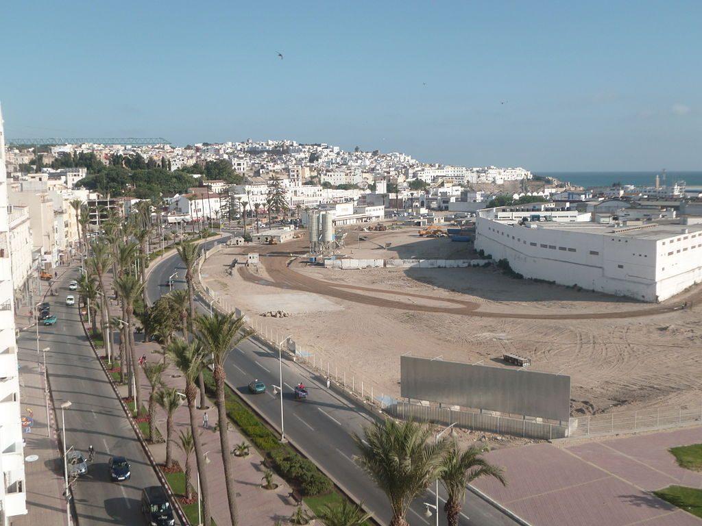 1024px-Port_de_Tanger