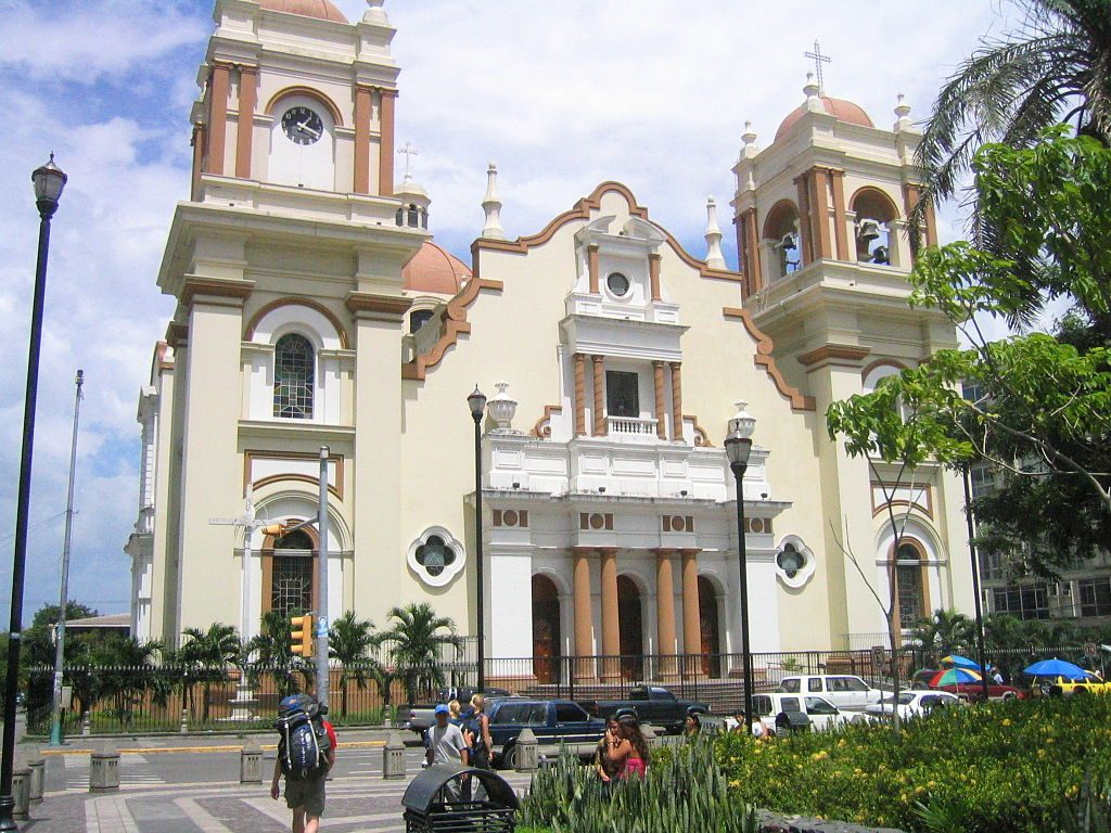 1024px-San_Pedro_Sula_Cathedral