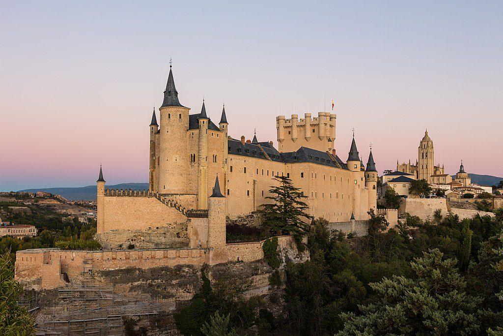 1024px-Segovia_-_Alcázar_de_Segovia_22_2017-10-24