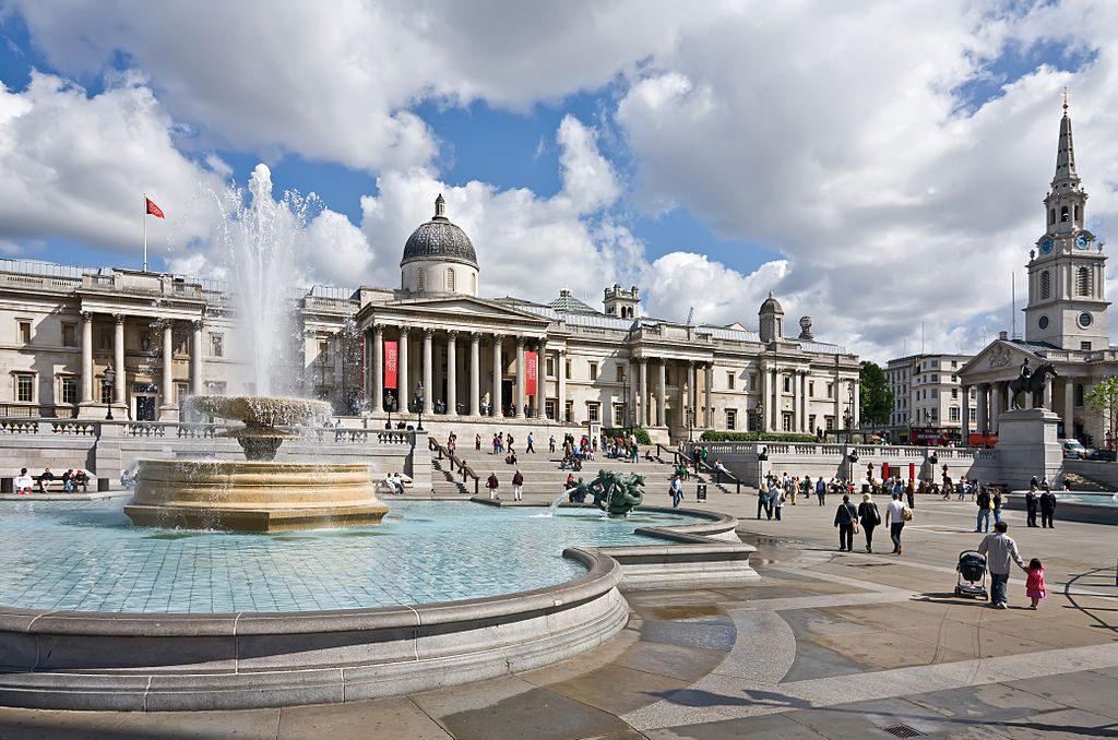 1024px-Trafalgar_Square,_London_2_-_Jun_2009