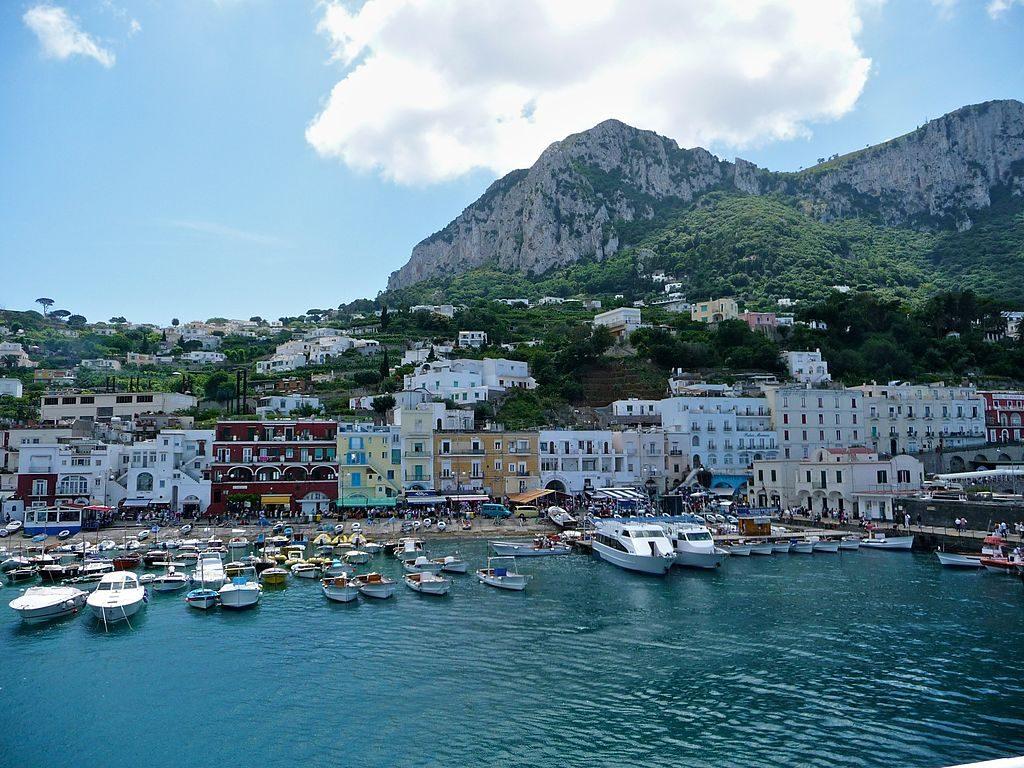 Isla_de_Capri_-_panoramio