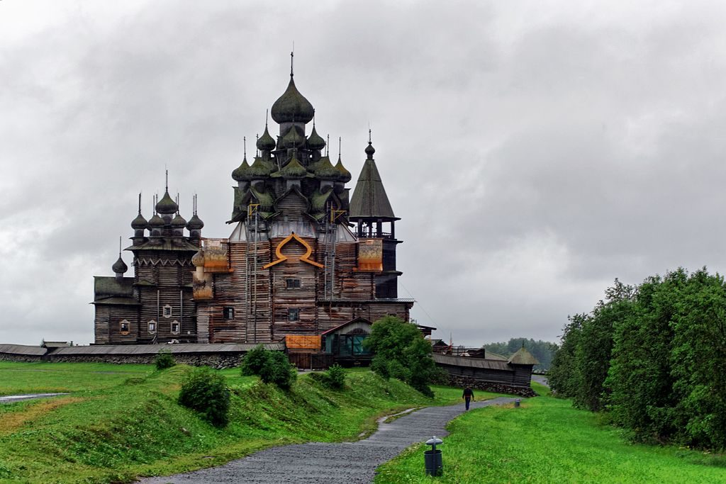 Kizhi_Pogost._The_Church_of_the_Transfiguration_DSC02646_2200
