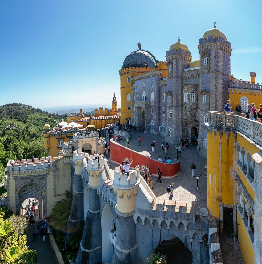 Palacio_Nacional_da_Pena,_Sintra,_Portugal,_2019-05-25,_DD_140-141_PAN