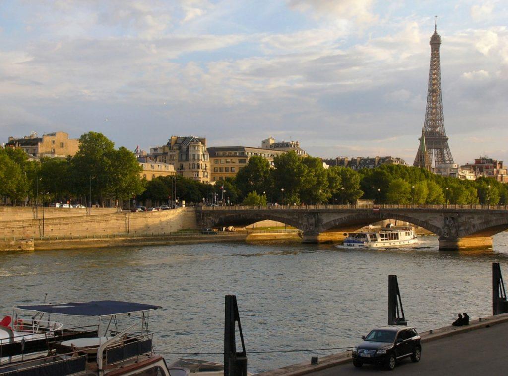 eiffel_tower_seine_river_paris_urban_cityscape_landmark_romantic_bridge-839908