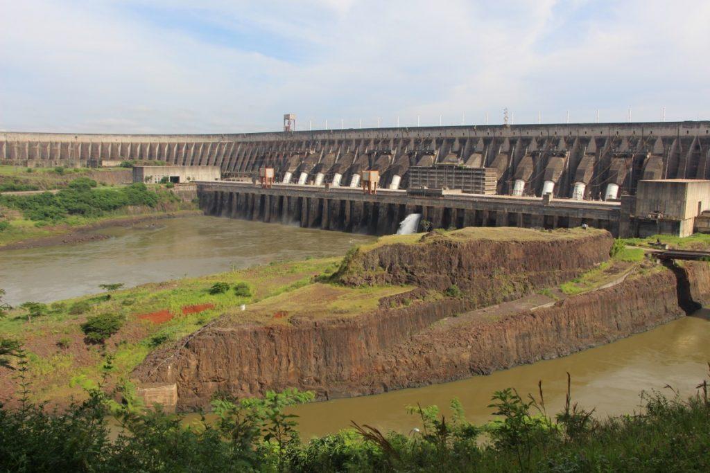 itaipu_foz_de_igua_u_hydroelectric_power_plant_landscape_power_plant_binational-742014
