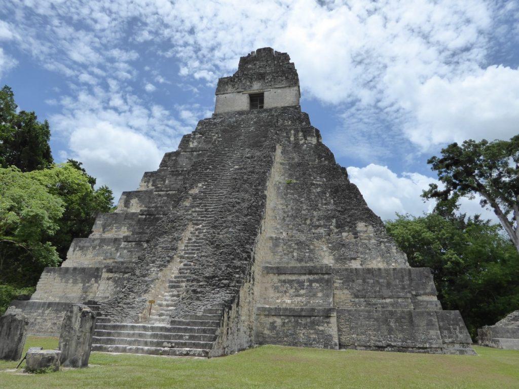 pyramid_maya_tikal_guatemala-791538