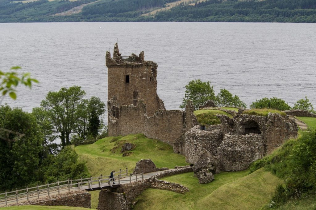 urqhart_castle_loch_ness_drumnadrochit_scotland_castle_ruin_highlands_and_islands_places_of_interest-544338