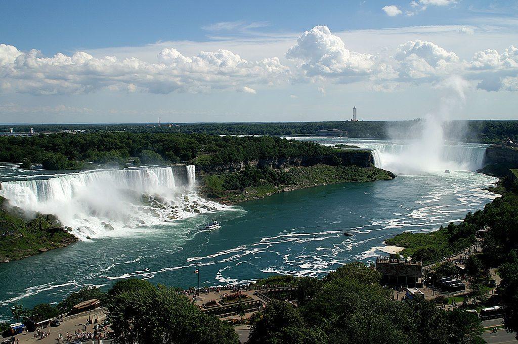 1024px-3Falls_Niagara
